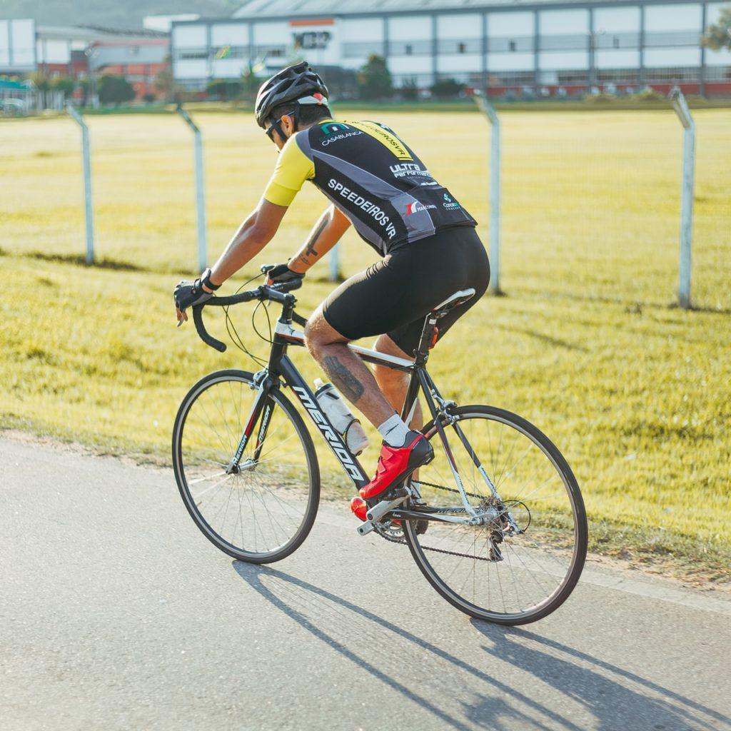 Photogaraph of male cyclist